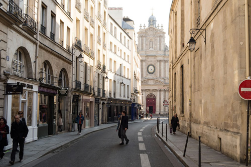 Discovery Guided Walks of Parisian Districts